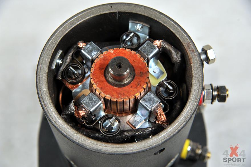 мотор со снятой крышкой